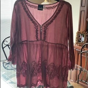 Tunic Top Mauve in color long sleeve.👠